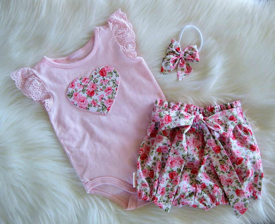 150fcb0a3 Beautiful Handmade Pink Floral Bloomer Shorts with elastic paper bag waist  & elastic bubble style legs. Matching Pink Lace Romper with pink floral  heart ...